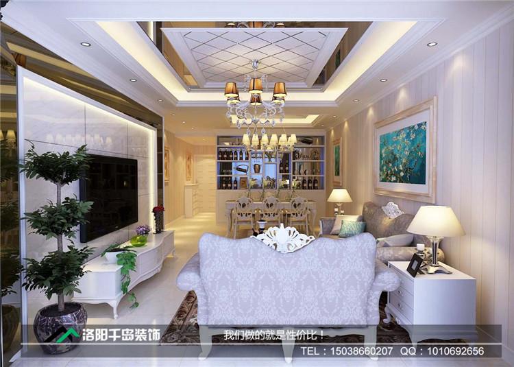欧式风格的皮质沙发,让客厅奢华而不失大气