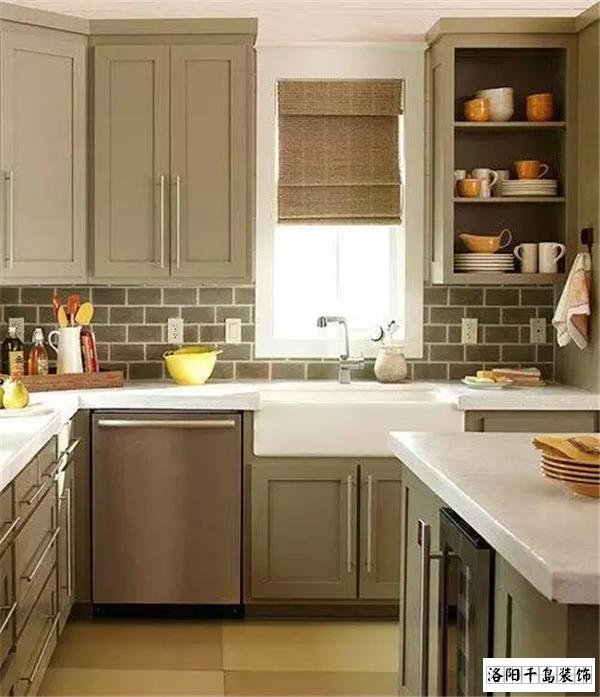 紧凑型小三室厨房排列五计算器设计